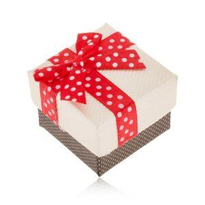 Béžovo-hnedá krabička na prsteň, červená stuha s bielymi bodkami