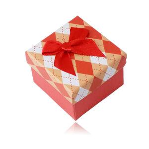Darčeková krabička na prsteň alebo náušnice - károvaný vzor, červená mašlička