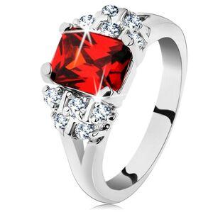 Lesklý prsteň so strieborným odtieňom, tmavooranžový obdĺžnikový zirkón - Veľkosť: 51 mm