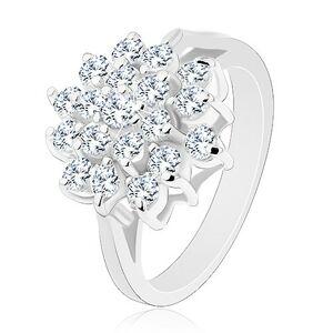 Lesklý prsteň v striebornej farbe, veľký kvet z okrúhlych čírych zirkónikov - Veľkosť: 57 mm