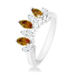 Ligotavý prsteň striebornej farby, číre a hnedé zirkónové zrnká - Veľkosť: 54 mm