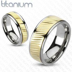 Obrúčka z titánu - pás zlatej farby s diagonálnym vrúbkovaním - Veľkosť: 67 mm