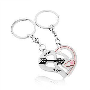 Oceľové kľúčenky pre dvojicu, strieborná farba, dve polovice srdca, šíp, nápis