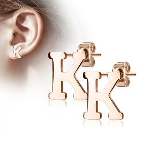 """Oceľové náušnice v medenej farbe - písmeno abecedy """"K"""", puzetky"""