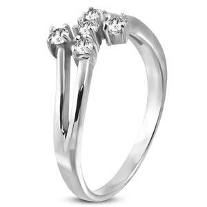 Oceľový prsteň striebornej farby s piatimi čírymi zirkónmi - Veľkosť: 56 mm