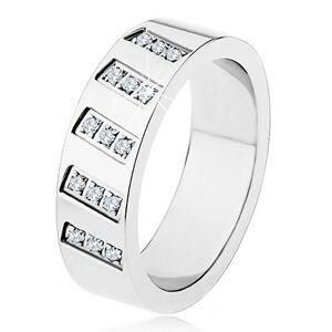 Oceľový prsteň striebornej farby, zrkadlový lesk, šikmé línie zirkónov - Veľkosť: 54 mm