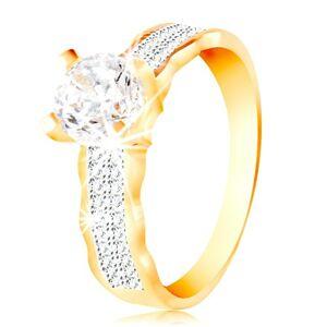 Prsteň v 14K zlate - veľký číry zirkón v kotlíku, zirkónové línie, zvlnené okraje - Veľkosť: 58 mm