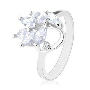 Prsteň v striebornej farbe, brúsené zirkónové lístočky čírej farby - Veľkosť: 53 mm