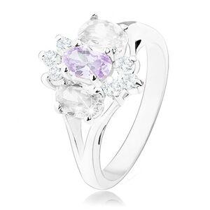 Prsteň v striebornom odtieni s rozdelenými ramenami, fialovo-číry kvet - Veľkosť: 59 mm