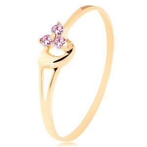 Prsteň zo žltého 14K zlata - tri ružové zirkóniky, asymetrické vypuklé srdce - Veľkosť: 63 mm