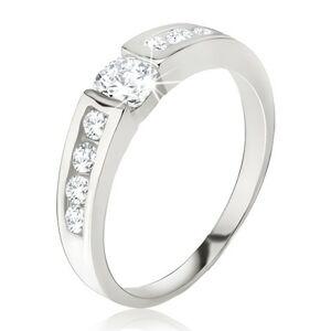 Strieborný prsteň 925 - číry zirkón v kotlíku, drobné kamienky na ramenách - Veľkosť: 63 mm