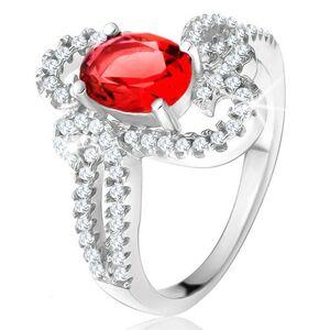 Strieborný prsteň 925, oválny červený kameň, ozdobne zatočené zirkónové ramená - Veľkosť: 59 mm