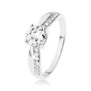 Strieborný prsteň 925, výrazný brúsený zirkón, zúžené ramená, línia zirkónov - Veľkosť: 49 mm