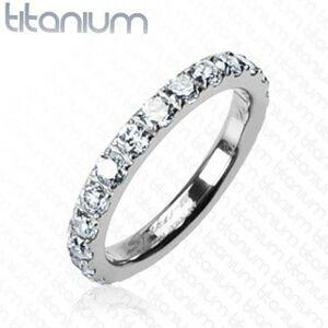 Titánový prsteň so zirkónmi po celom obvode - Veľkosť: 51 mm